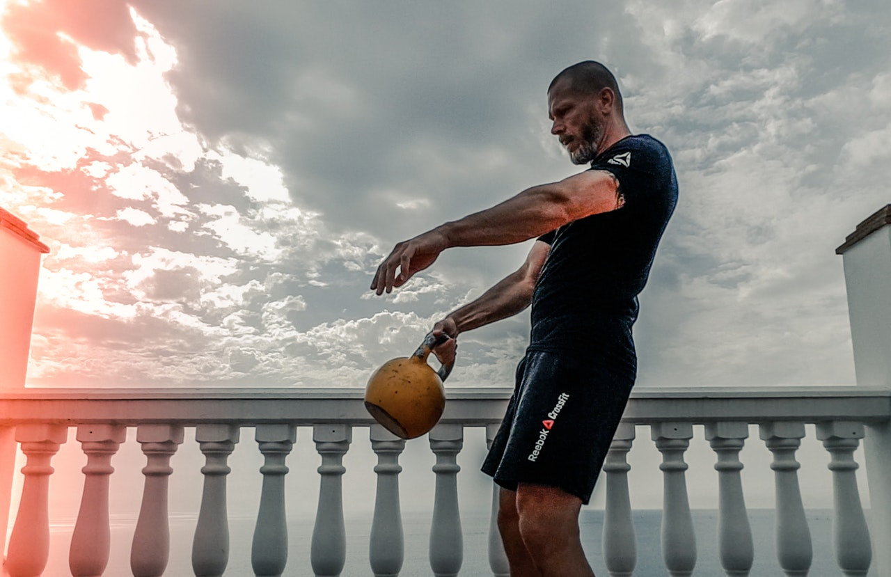 Coaching cues, nutrition and training without a gym